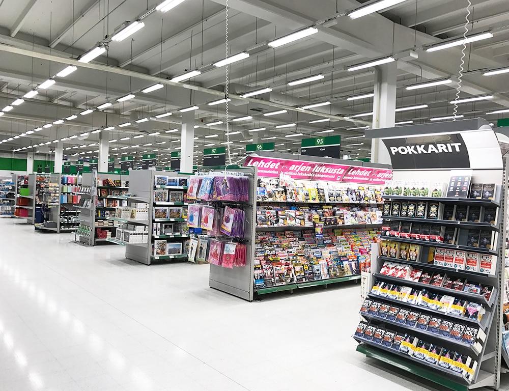 Valtavalo uudisti Kajaanin Prisma-tavaratalon valaistuksen.
